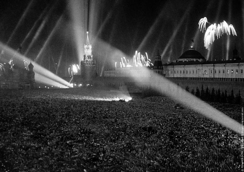 Салют победы на Красной площади