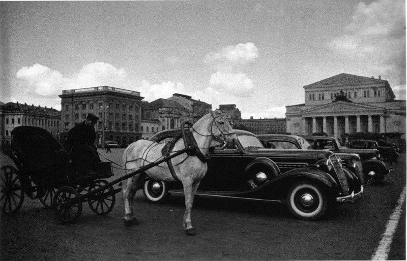 Извозчик и автомобиль
