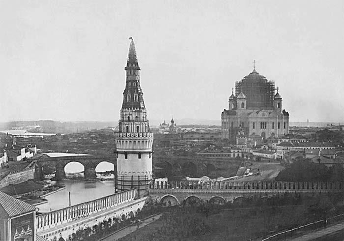 Строительство Храма Христа Спасителя