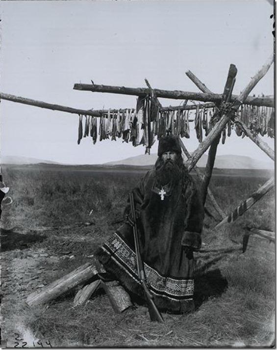 Русский священник в оленьих шкурах