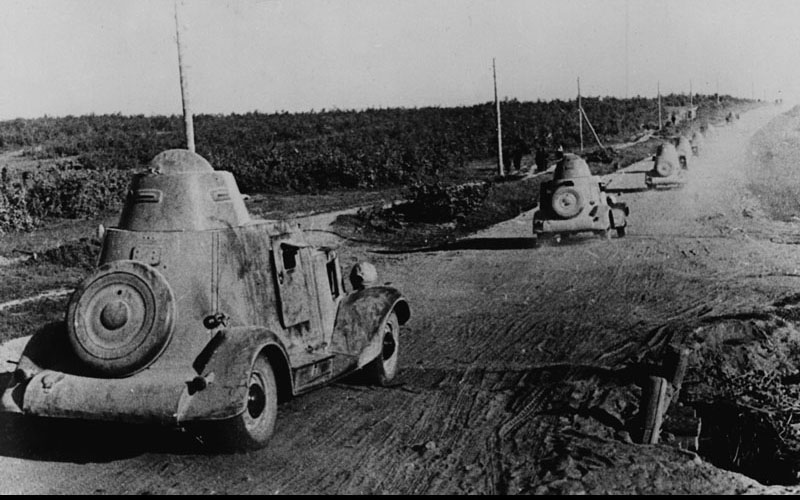 Колонна бронеавтомобилей БА-20