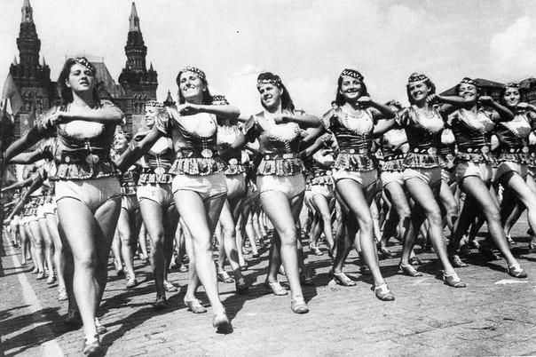 Физкультурницы из Азербайджанской ССР на Всесоюзном параде физкультурников