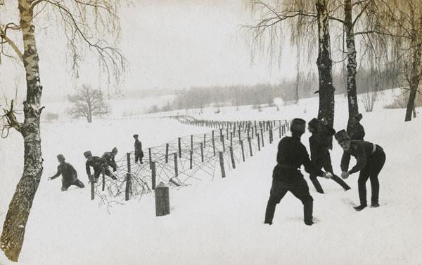 Игра в снежки на передовой