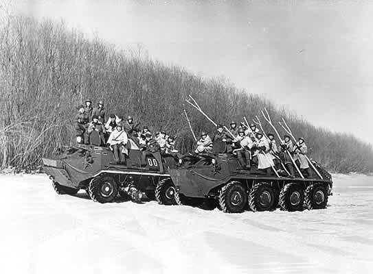 Советские пограничники готовятся к вытеснению китайских нарушителей