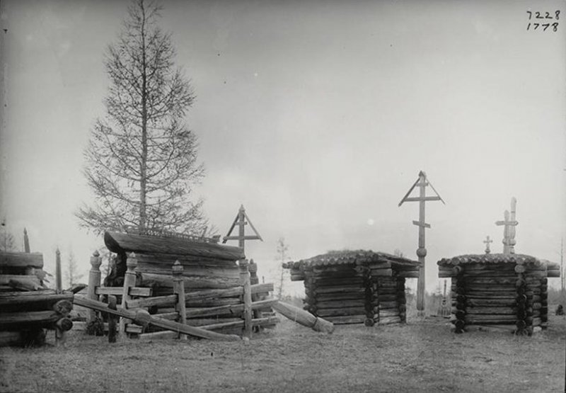 Христианское якутское кладбище