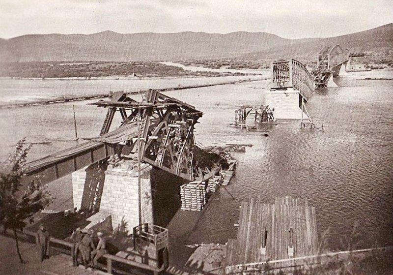 Взорванный под Владивостоком железнодорожный мост