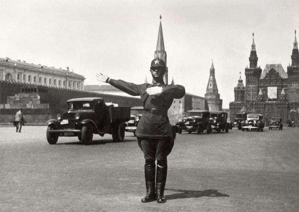Регулировщик движения на Красной площади