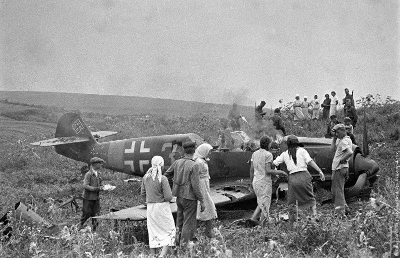 Cбитый немецкий самолет