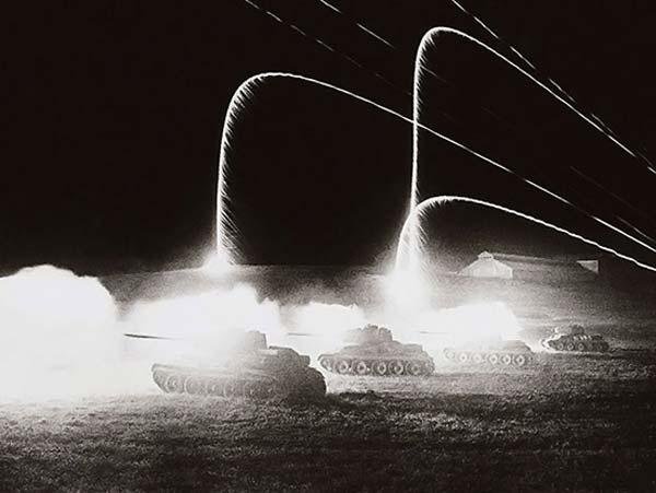 Ночная танковая атака