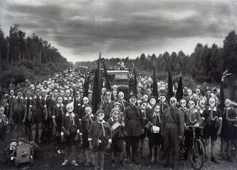 Пионеры Ленинграда, поднятые по тревоге
