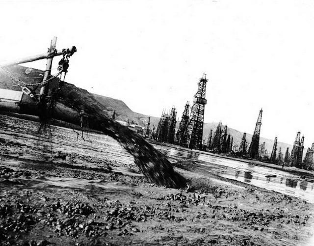 Бакинские нефтепромыслы в бухте
