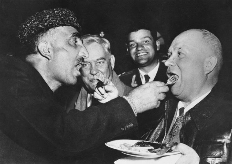 Взаимное кормление, визит Никиты Хрущева в Индию