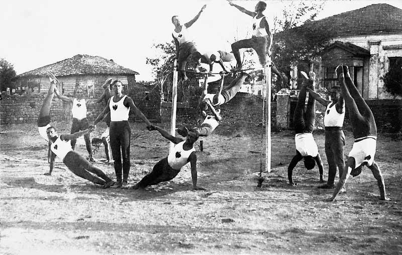 Офицеры Врангеля, гимнастический праздник