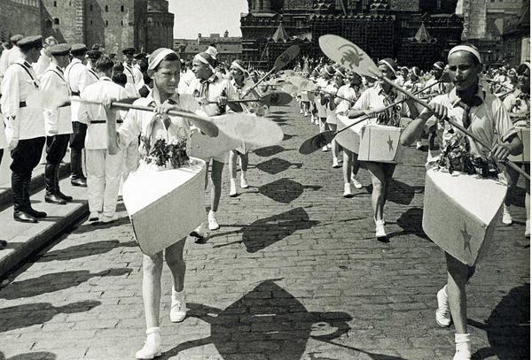 Гребцы, спортивный парад на Красной площади
