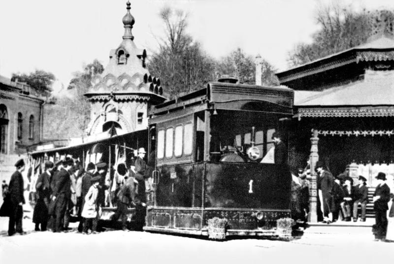 Паровой трамвай на Царской площади
