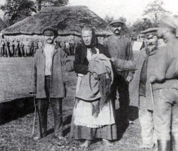 Крестьяне схватили переодетого в женщину немецкого шпиона